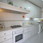 Fully equipped kitchen including dishwasher & tumble dryer